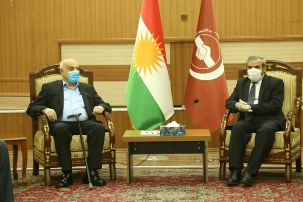 Secretary-General of the Kurdistan Islamic Union receives a delegation of the Change Movement