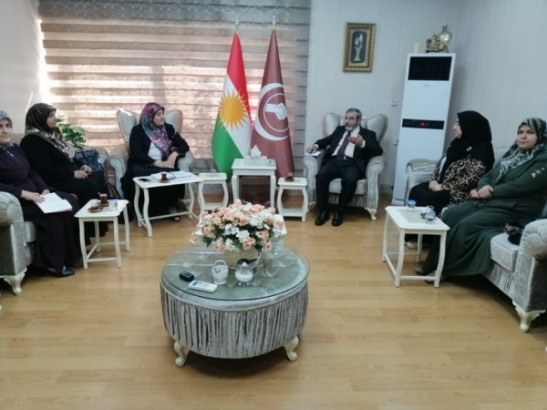 Secretary-General of the KIU receives a delegation from the Islamic Union of Kurdistan Sisters