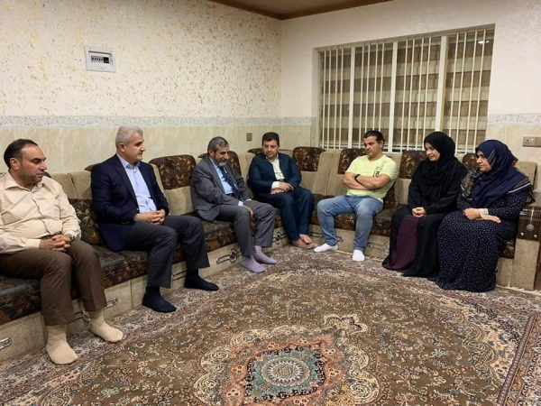 Secretary-General of the Kurdistan Islamic Union visiting the family of martyr Hoshyar Ismail