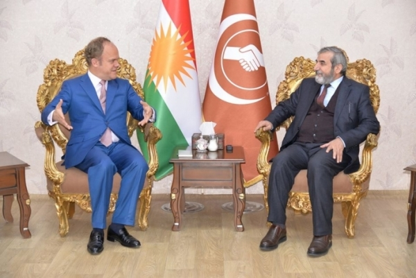 Secretary-General of the Kurdistan Islamic Union receives the representative of the European Union in the Kurdistan region