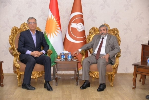 Secretary-General of the KIU receives a delegation from the Kurdistan Communist Party