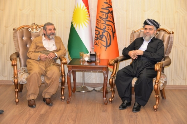 "Secretary-General of the KIU visits the Kurdistan Islamic Group ""Komal"""